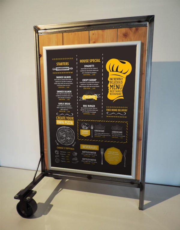 houten stoepbord met wielen