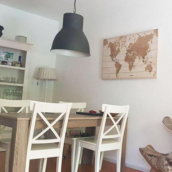 Houten-wereldkaart-Sepia-Vurenhout