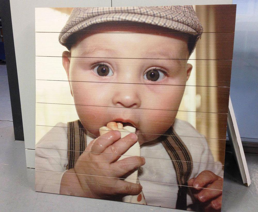 Babyfoto op Hout